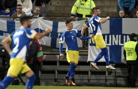 Histórico! Kosovo briga por uma vaga na próxima Copa do Mundo (Jussi Nukari / Lehtikuva / AFP)