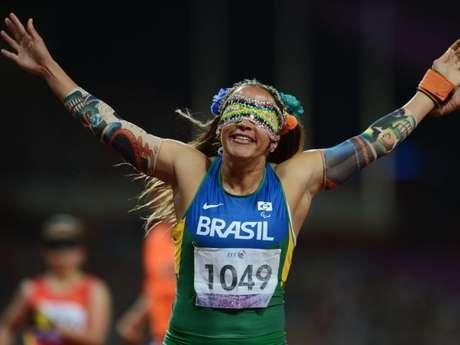 A velocista Terezinha Guilhermina é uma das principais atletas do time do Brasil na Paralimpíada Rio 2016