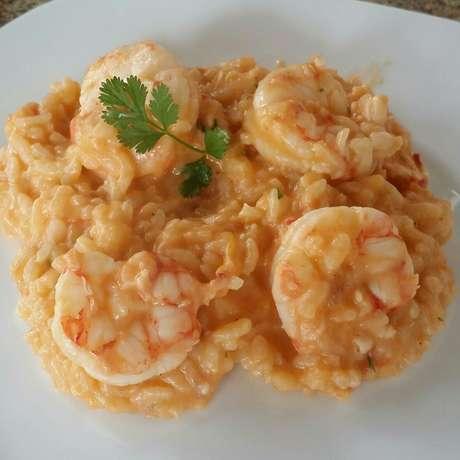 Receita de Risoto de camarão sem frescura. Enviada por Eduardo Basilio da Silveira e demora apenas 45 minutos.