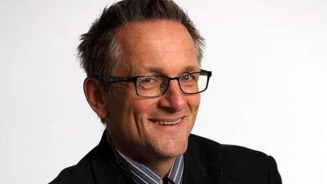 Michael Mosley fez uma série de exames que comprovaram o declínio de sua visão