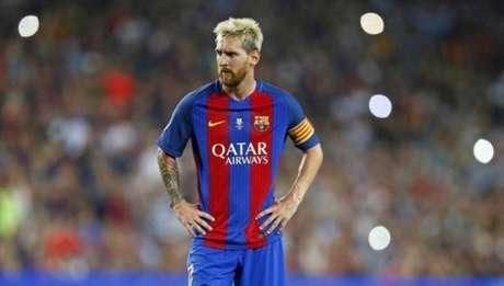 Messi estreou no Barça no dia 16 de outubro de 2004(Foto: Reprodução / Twitter FCB)