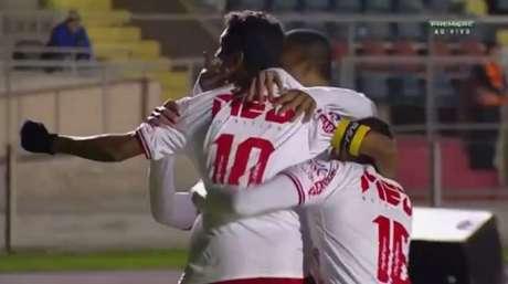 Fabinho, de falta, marcou no segundo tempo e garantiu a vitória goiana. (Reprodução/PFC)