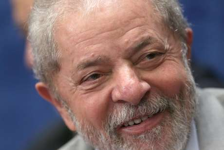 Lula tildó de