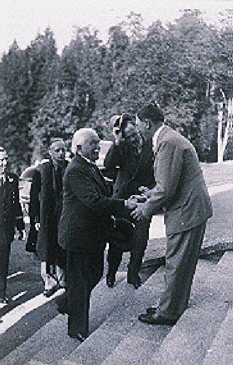 L.George visita Hitler