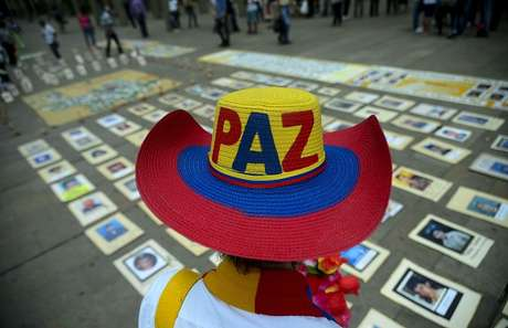La guerrilla FARC de Colombia debate sobre el acuerdo de paz