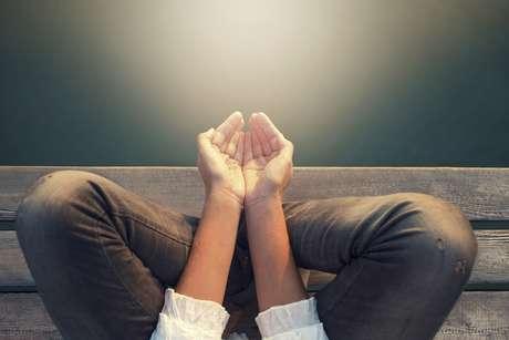 Contra o sofrimento, vidente indica uma medicina da alma