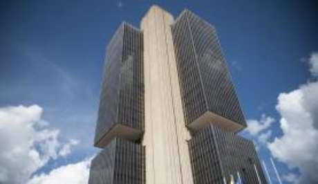 Pesquisa do Banco Central constatou que inflação deve fechar o ano em 7,34% e não mais em 7,36%