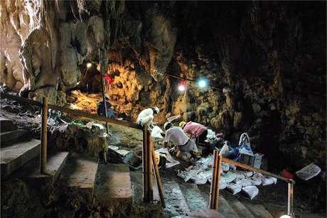 Arqueólogos acham anzol de 23 mil anos em caverna na ilha de Okinawa, no sudoeste do arquipélago japonês