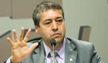 Prioridade, no momento, é resolver a questão do déficit fiscal, afirma o ministro do Trabalho, Ronaldo Nogueira