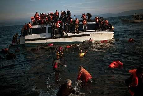 Decenas de migrantes se ahogan en naufragio — Egipto