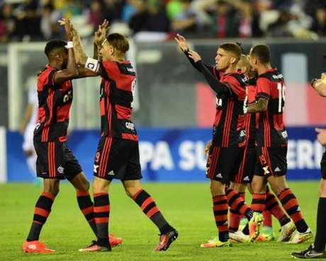 Flamengo conquistou vitória fora de casa (Foto: AFP PHOTO)