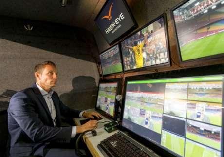 Histórico: Vídeo-árbitro ´expulsa` jogador pela primeira vez
