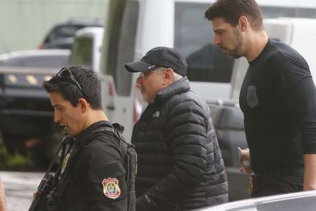O ex-ministro Guido Mantega no momento de sua prisão em São Paulo