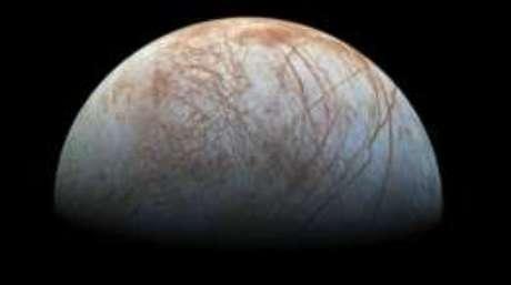 O satélite de Júpiter é um dos principais alvos dos cientistas na busca por vida extraterrestre no Sistema Solar
