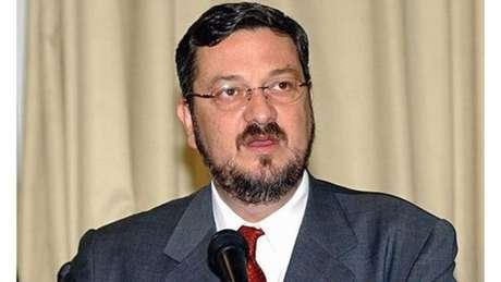 O ex-ministro é suspeito de ser a ligação entre negociações ilícitas entre o governo e a empreiteira Odebrecht
