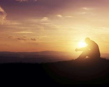 Mande o mal para bem longe de sua vida com orações