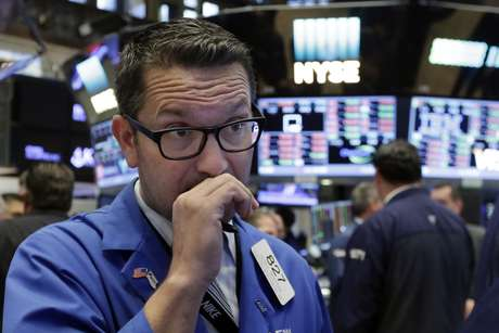 Wall Street opera casi estable en rueda volátil — ARGENTINA