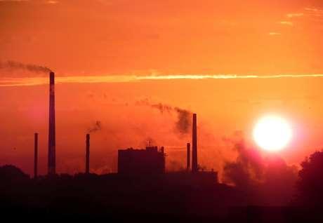 O estudo mostra que, apesar de todas as promessas feitas pelos 195 países que assinaram o acordo até agora, os temidos 2°C a mais podem ser alcançados já dentro dos próximos 34 anos.
