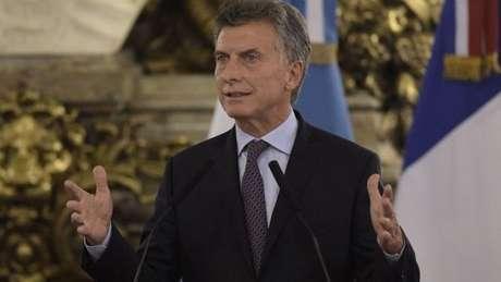 'Saber que um em cada três argentinos está abaixo da linha de pobreza tem que nos doer', disse presidente argentino