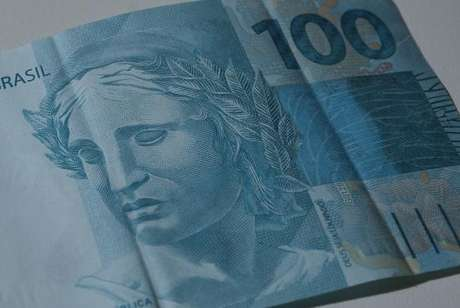 No acumulado do ano, a arrecadação federal somou R$ 816,188 bilhões, queda de 7,45%
