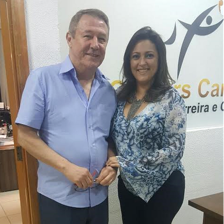 Jair conseguiu uma oportunidade como gerente-geral em uma pequena empresa da área de saúde; ele obteve ajuda da especialista em coaching Madalena Feliciano