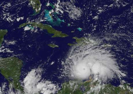 Segundo o NHC, o Matthew é o furacão 'mais potente' que castiga o Atlântico desde o Félix, que deixou cerca de 130 mortos em sua passagem pela Nicarágua em 2007.