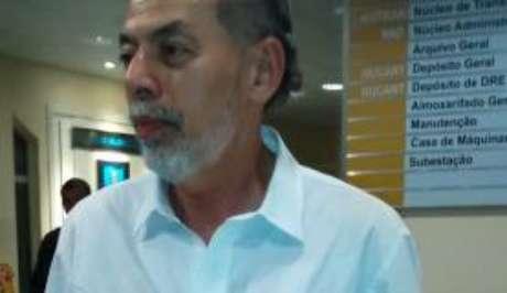 Ex-senador Inácio Arruda diz que vai denunciar as agressões ao Ministério Público e à Corregedoria da Polícia