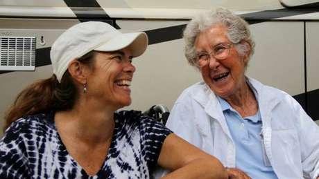 Ramie (à esquerda), cuidou de Norma e de sua página
