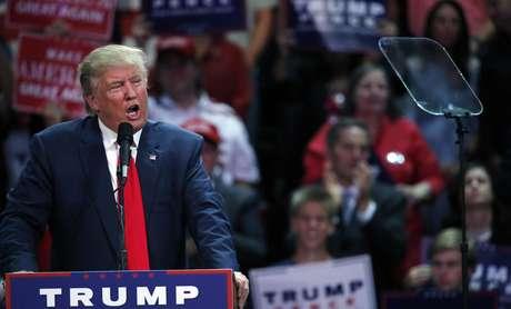 Dice Trump que debate vicepresidencial destacará su 'contraste' con Clinton