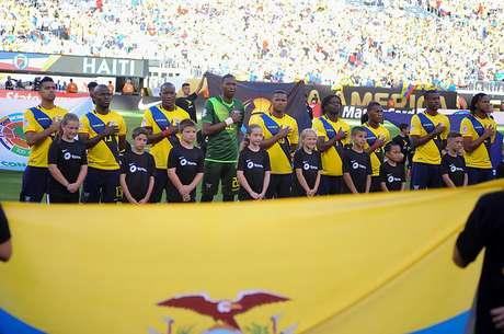 Ecuador sufrió dos nuevas bajas para enfrentar a Chile