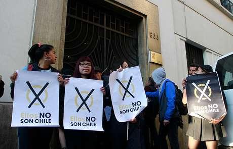 Estudiantes se tomaron las oficinas del Servel en Santiago