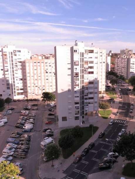 Cidades satélites de Lisboa oferecem imóveis a preços mais baixos
