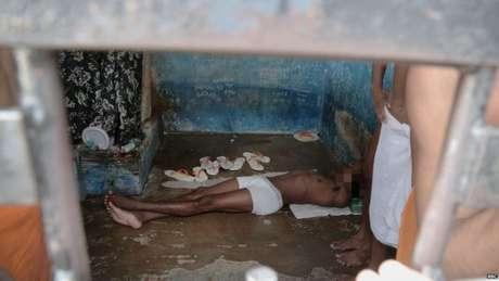 Governo diz que está ampliando número de vagas em presídios e afirma que houve queda nas mortes