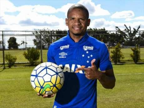 Cruzeiro encara Palmeiras em Araraquara para se manter distante da degola