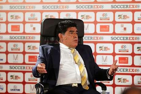 Discusión con Verón queda entre nosotros, dice Maradona