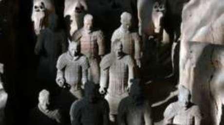 Artesãos gregos podem ter treinado os escultores chineses que construíram o Exército de Terracota.