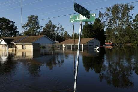 Paso del huracán Matthew en EU deja al menos 36 muertos