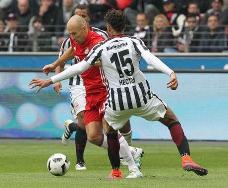 Robben fez o primeiro dos bávaros (Foto: Daniel Roland / AFP)