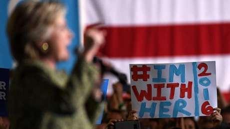 A campanha de Hillary em Las Vegas; em palestra a banqueiros, candidata disse que 'política é como fazer salsicha'