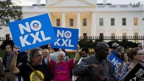 Manifestantes comemoram decisão de Obama de vetar o oleoduto de Keystone XL