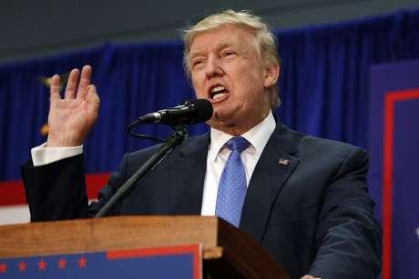 Jefa de campaña de Trump reconoce desventaja ante Clinton — CHILE