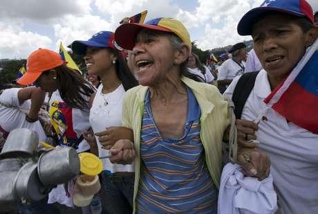 La oposición impulsa un juicio político contra Nicolás Maduro en Venezuela