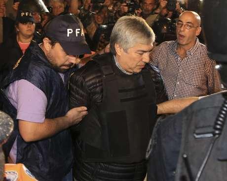 Amplían denuncia contra Cristina Fernández por ilícitos
