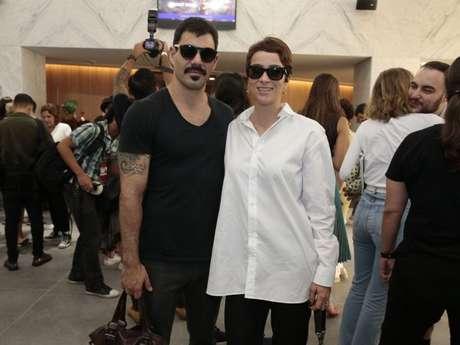 Casado com Letícia Bastos, Juliano Cazarré lembrou que já foi adepto de saia