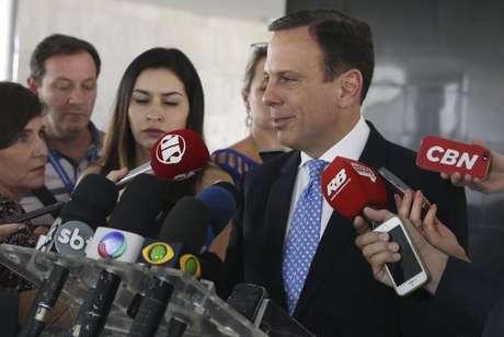 Brasília - O prefeito eleito de São Paulo, João Doria Junior, dá entrevista depois de encontro com o presidente Michel Temer