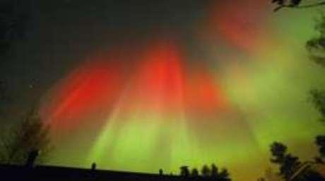 As auroras boreais são a face bela e visível da chegada de partículas solares à Terra