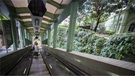 Obra causou tensões em Hong Kong e estourou em várias vezes o orçamento