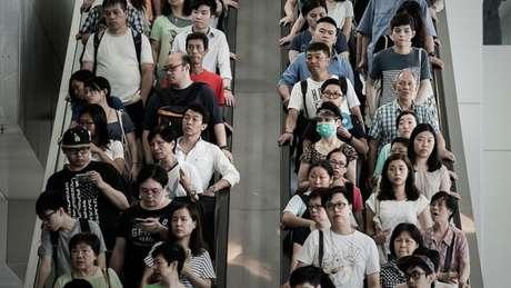 Escadas rolantes foram a maneira que Hong Kong encontrou para vencer desafios do relevo