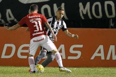 Neilton é o artilheiro do elenco na Arena Botafogo, com seis gols marcados (Foto:Vitor Silva/SSPress/Botafogo)