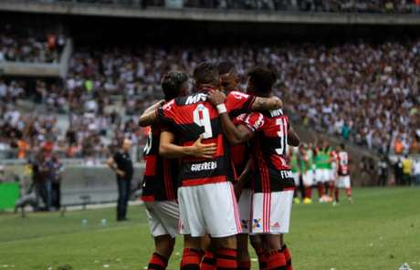 Flamengo segue vivo na luta pelo título (Foto: Fernando Michel/Lancepress!)